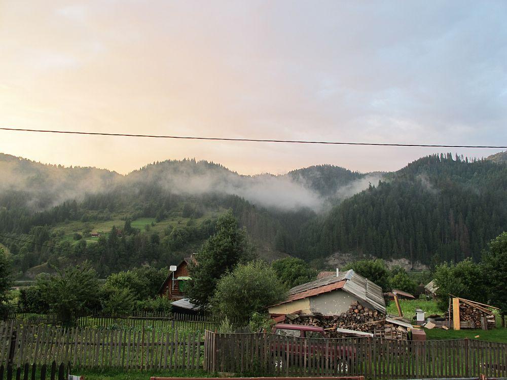 adelaparvu.com despre gradina la munte, gradina cu flori si legume (3)