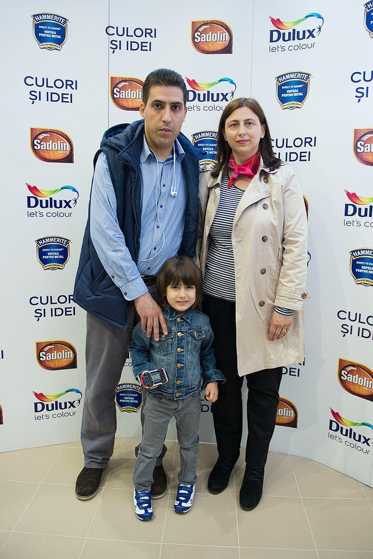 Cunoscutul jurnalist Petrișor Obae de la Pagina de media alaături de familia sa