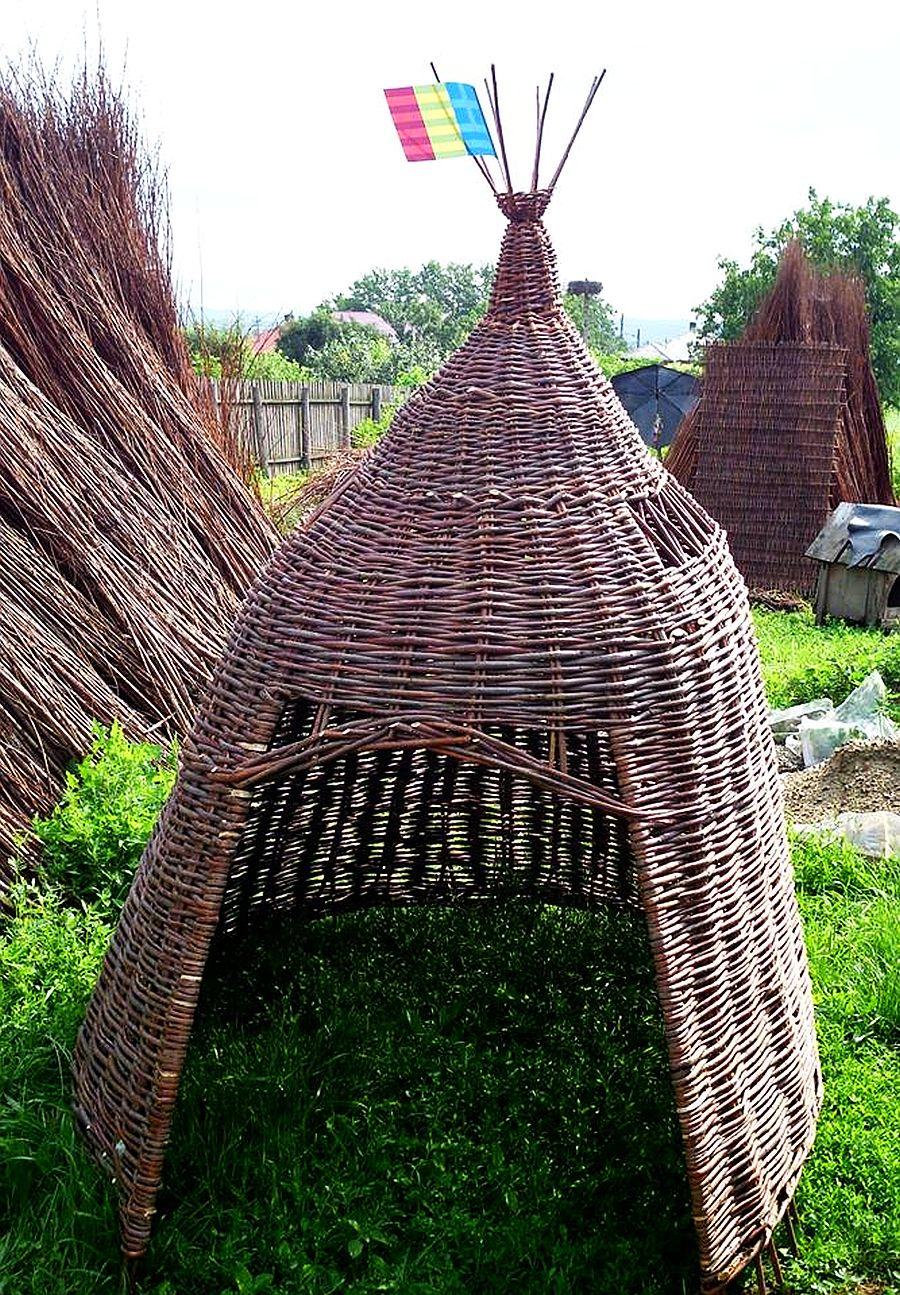 adelaparvu.com despre mobilier, chioscuri si cosuri din rachita, design familia Toderascu, satul Heci judetul Iasi (12)