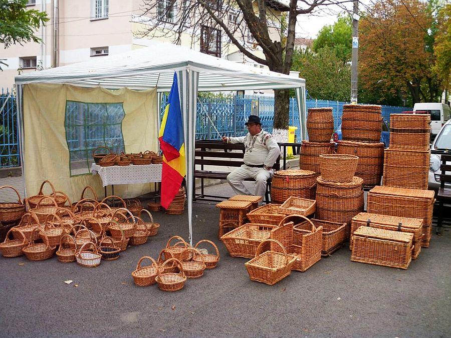 adelaparvu.com despre mobilier, chioscuri si cosuri din rachita, design familia Toderascu, satul Heci judetul Iasi (2)