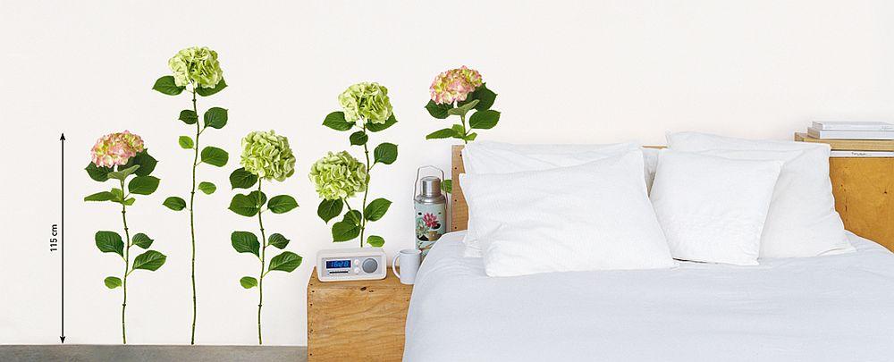 Poti repozitiona cum iti place modelul cu flori, inclusiv deasupra patului