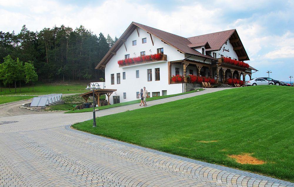 adelaparvu.com despre pensiunea Gerendas, Ghindari, judetul Mures, Romania, arhitect Eniko Leszai  (15)