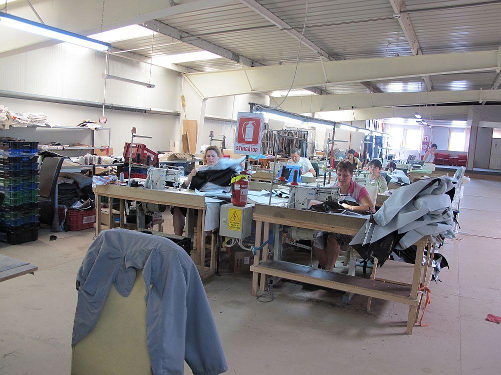 adelaparvu.com despre Mobila Dalin, producator canapele, scaune tapitate, Reghin, Romania (18)