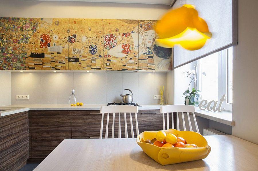 adelaparvu.com despre apartament 2 camere 48 mp cu reproduceri dupa Klimt, design Pink Pug Design, Polonia (3)