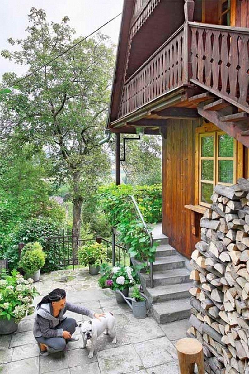 adelaparvu.com despre casa din lemn renovata, Willa Bajka Lanckorona, Polonia, design interior Joa si Arthur Trojanowscy  (4)