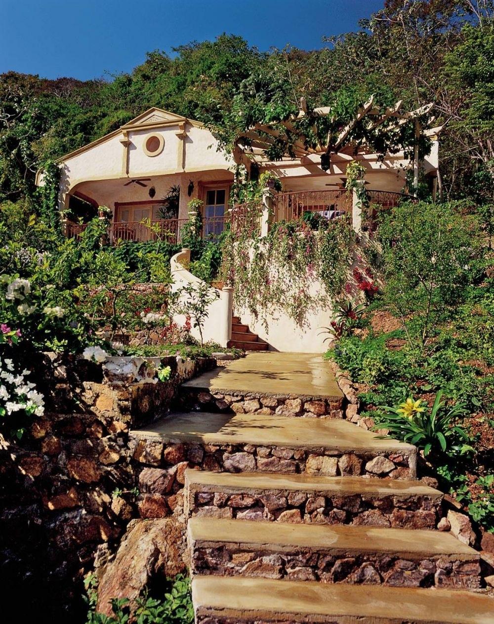 adelaparvu.com despre casa mica romantica, decor eclectic, casa Panama, design interior Diane Burn, Foto Michael Calderwood (8)