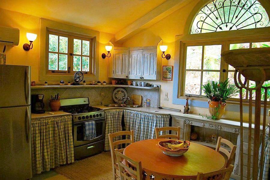 adelaparvu.com despre casa mica romantica, decor eclectic, casa Panama, design interior Diane Burn, Foto Select Panama Real Estate (1)