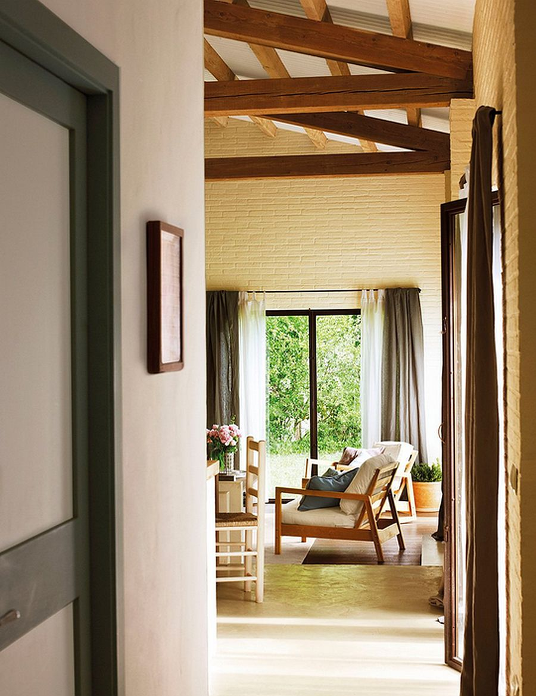 adelaparvu.com despre casa rustica cu aspect de hambar, casa Spania, arhitect Ivana Tuneu (12)