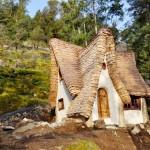 adelaparvu.com despre casuta de poveste, The Winckler, Victoria, Canada, design Lindcroft (1)