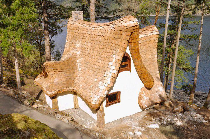 adelaparvu.com despre casuta de poveste, The Winckler, Victoria, Canada, design Lindcroft (6)