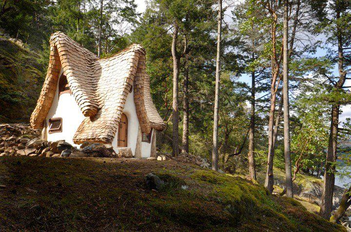 adelaparvu.com despre casuta de poveste, The Winckler, Victoria, Canada, design Lindcroft (9)