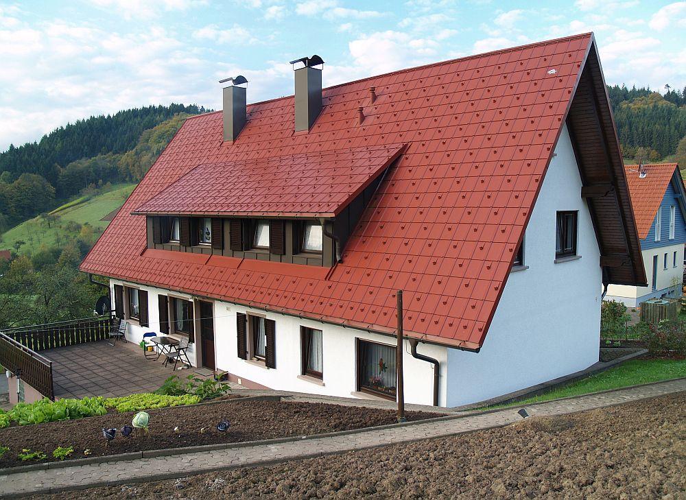 adelaparvu.com despre cat te costa repararea acoperisului, casa pentru familie, Foto Prefa (4)