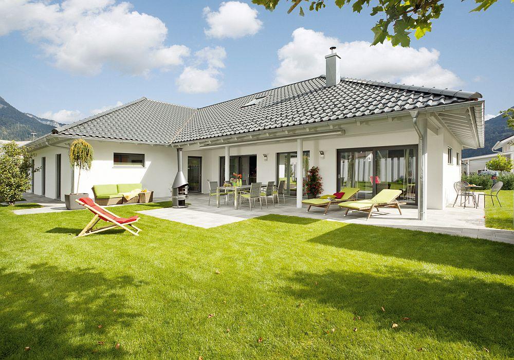 adelaparvu.com despre cat te costa repararea acoperisului, casa pentru familie, Foto Schwoerer Haus (3)