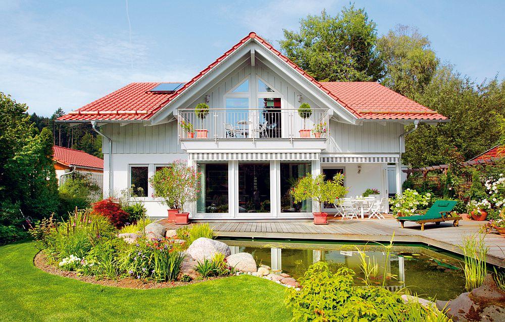 adelaparvu.com despre cat te costa repararea acoperisului, casa pentru familie, Foto Schwoerer Haus (4)