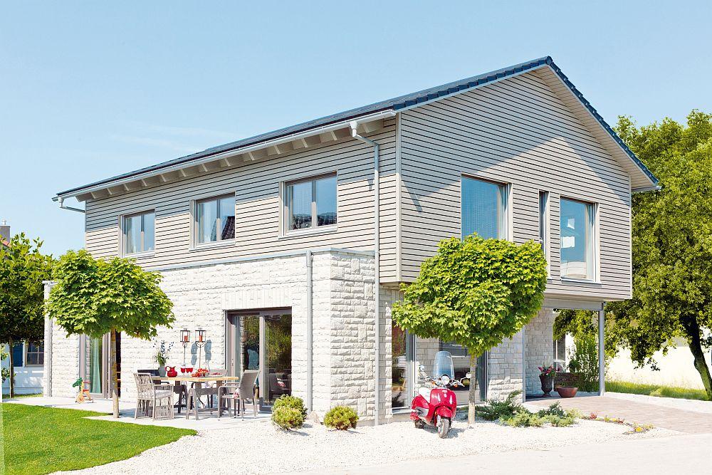 adelaparvu.com despre cat te costa repararea acoperisului, casa pentru familie, Foto Schwoerer Haus (5)