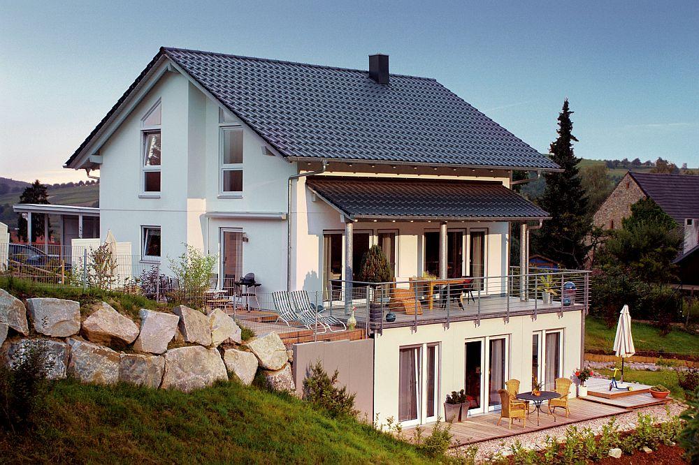 adelaparvu.com despre cat te costa repararea acoperisului, casa pentru familie, Foto Schwoerer Haus (6)