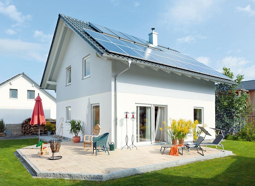 adelaparvu.com despre cat te costa repararea acoperisului, casa pentru familie, Foto Schwoerer Haus (7)