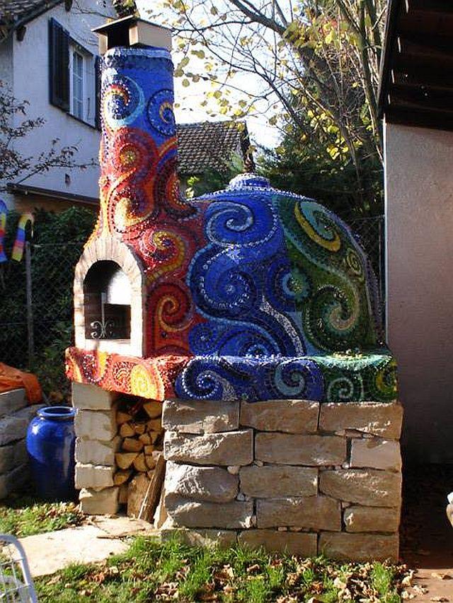 adelaparvu.com despre cuptor de paine in gradina decorat cu mozaic, artist Frances Green (1)