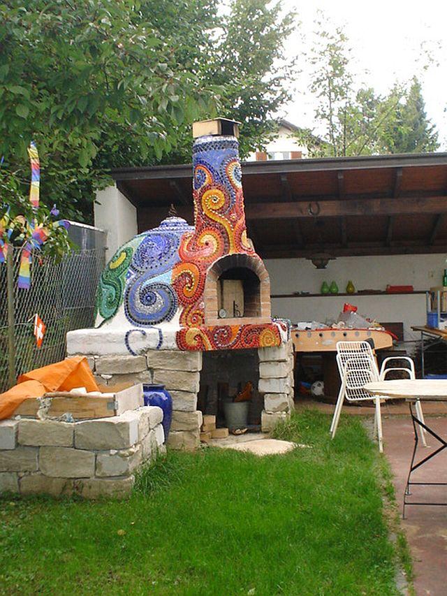 adelaparvu.com despre cuptor de paine in gradina decorat cu mozaic, artist Frances Green (11)