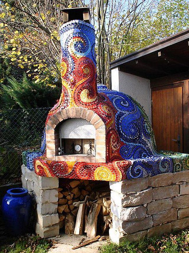 adelaparvu.com despre cuptor de paine in gradina decorat cu mozaic, artist Frances Green (5)