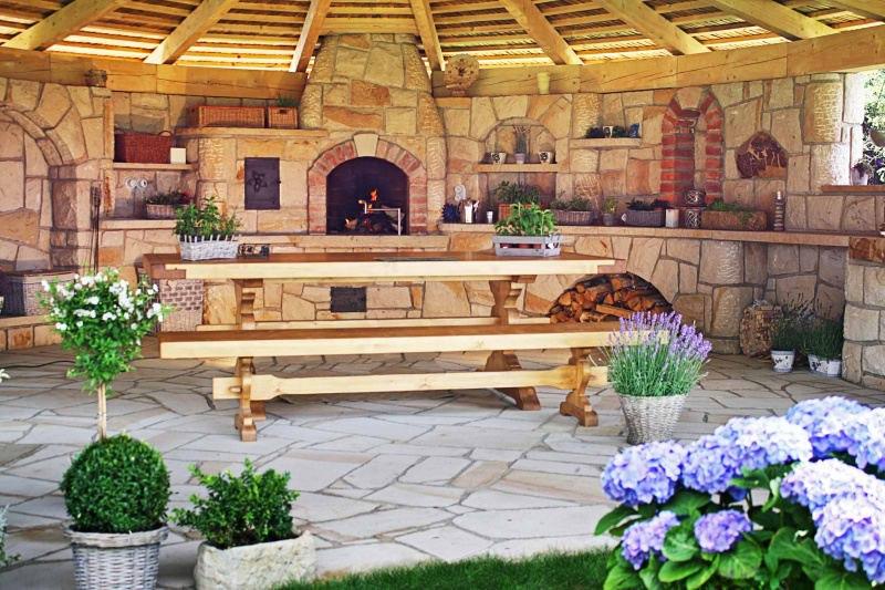 adelaparvu.com despre gratare din piatra, bucatarii de vara, design Zahradni Kuchyne, Cehia (2)