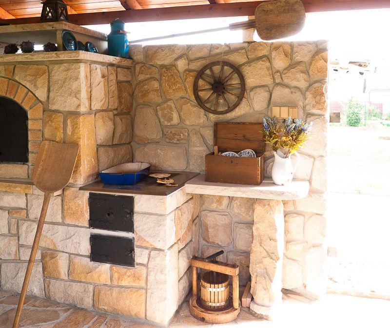 adelaparvu.com despre gratare din piatra, bucatarii de vara, design Zahradni Kuchyne, Cehia (8)