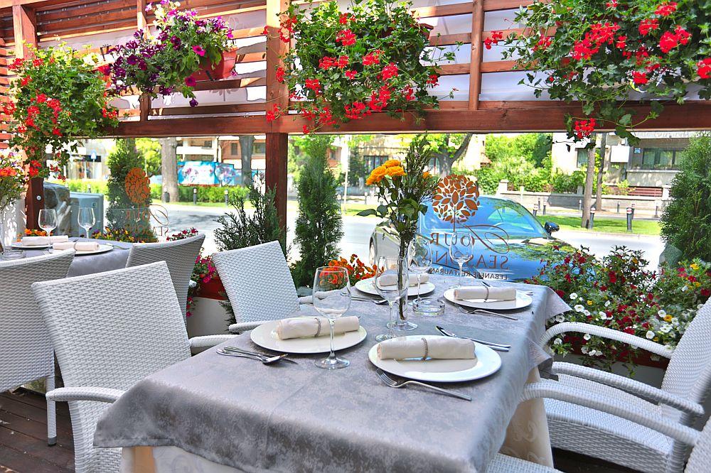 adelaparvu.com despre restaurantul Four Seasons Dorobanti, Bucuresti (2)