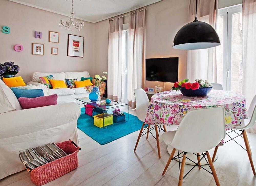 adelaparvu.com despre apartament de trei camere modificat, decor cu mobila second-hand, Foto MiCasa