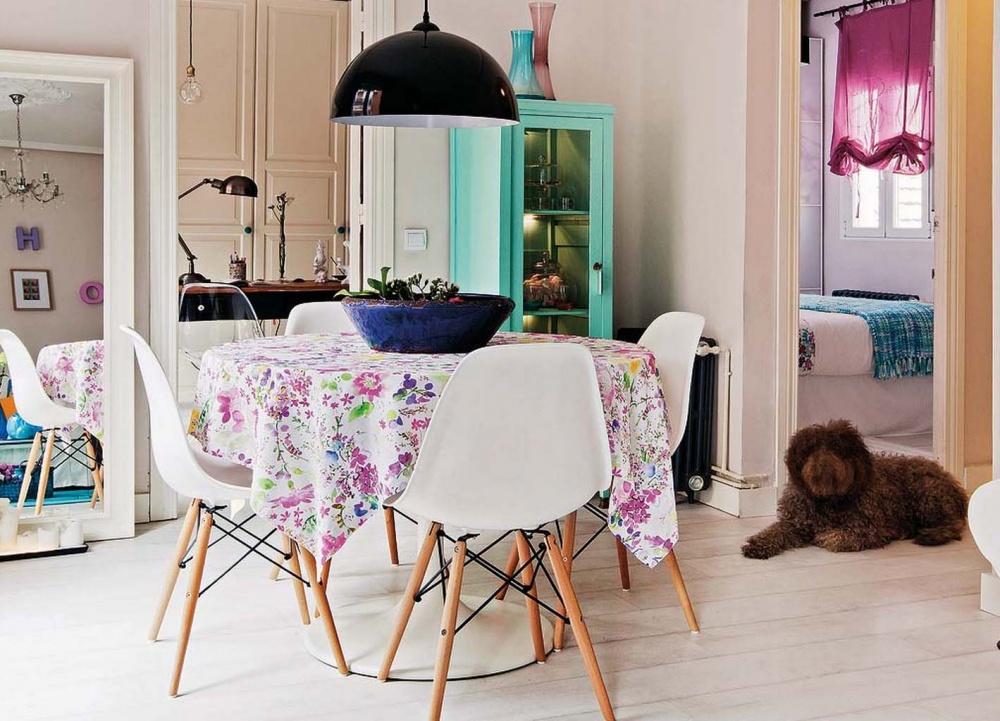 adelaparvu.com despre apartament de trei camere modificat, decor cu mobila second-hand, Foto MiCasa (8)