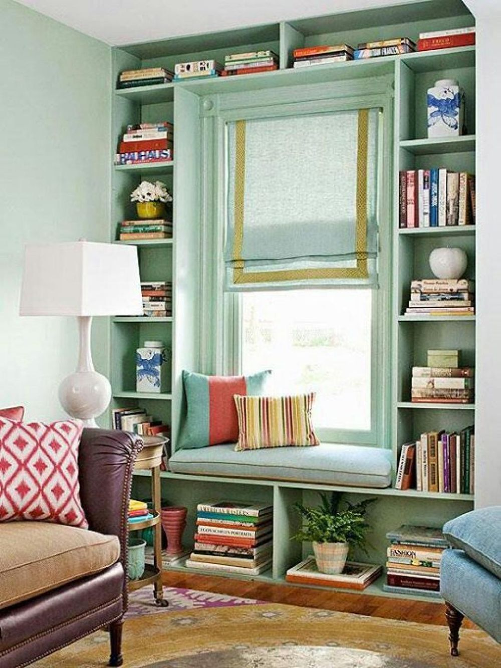 adelaparvu.com despre biblioteci in jurul ferestrelor, Foto BHG