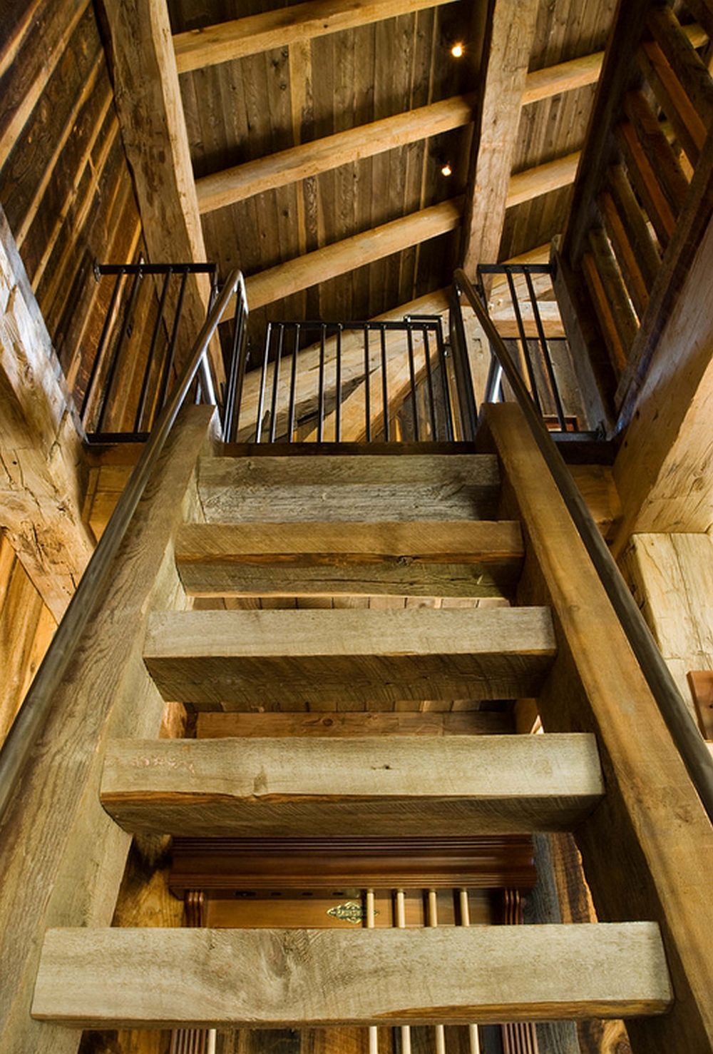 adelaparvu.com despre cabana din lemn vechi recuperat, cabana Swan Valley, Montana, RMT Architects (7)