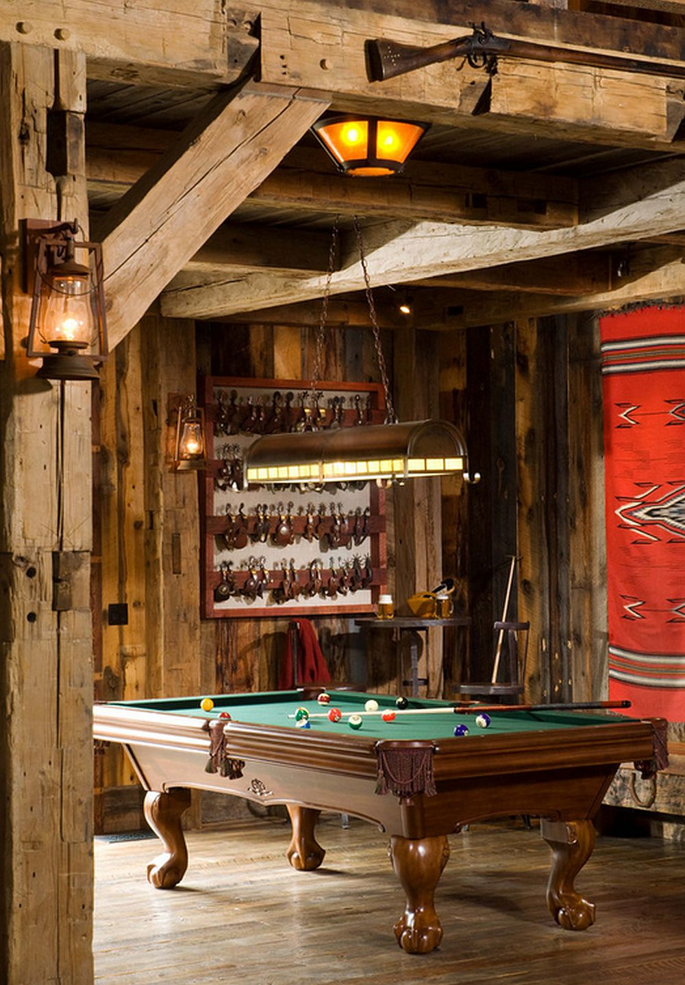 adelaparvu.com despre cabana din lemn vechi recuperat, cabana Swan Valley, Montana, RMT Architects (9)