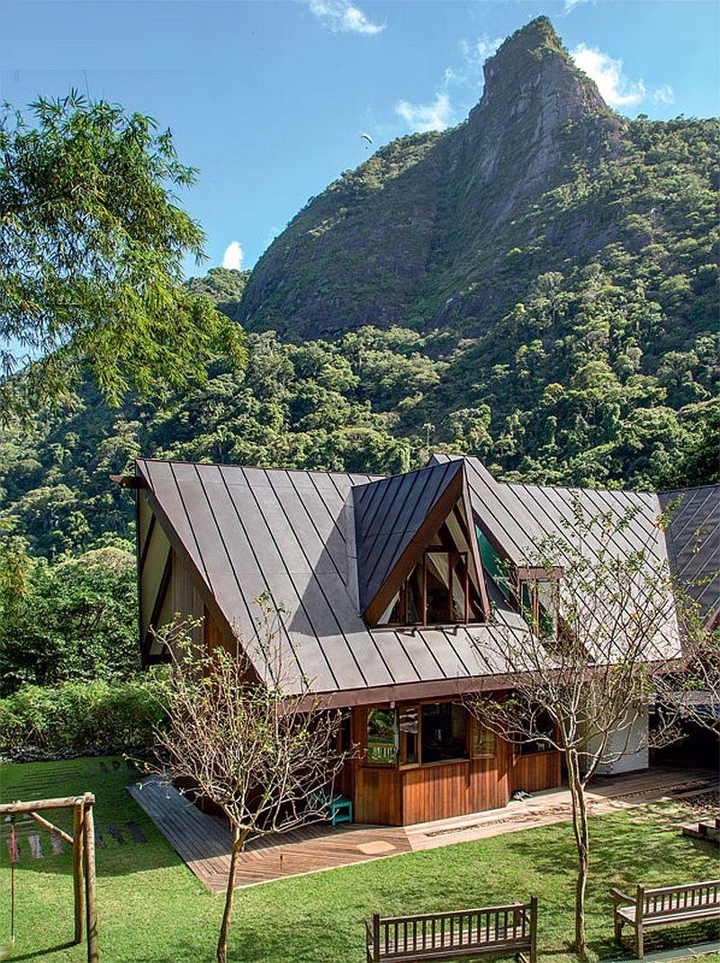 adelaparvu.com despre cabana la munte transformata in casa actuala, constructor Stewart Engenharia  (1)