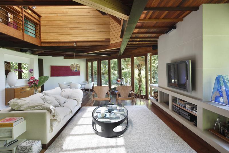 adelaparvu.com despre cabana la munte transformata in casa actuala, constructor Stewart Engenharia  (17)