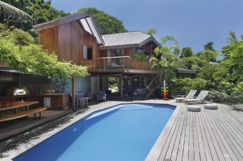 adelaparvu.com despre cabana la munte transformata in casa actuala, constructor Stewart Engenharia  (22)