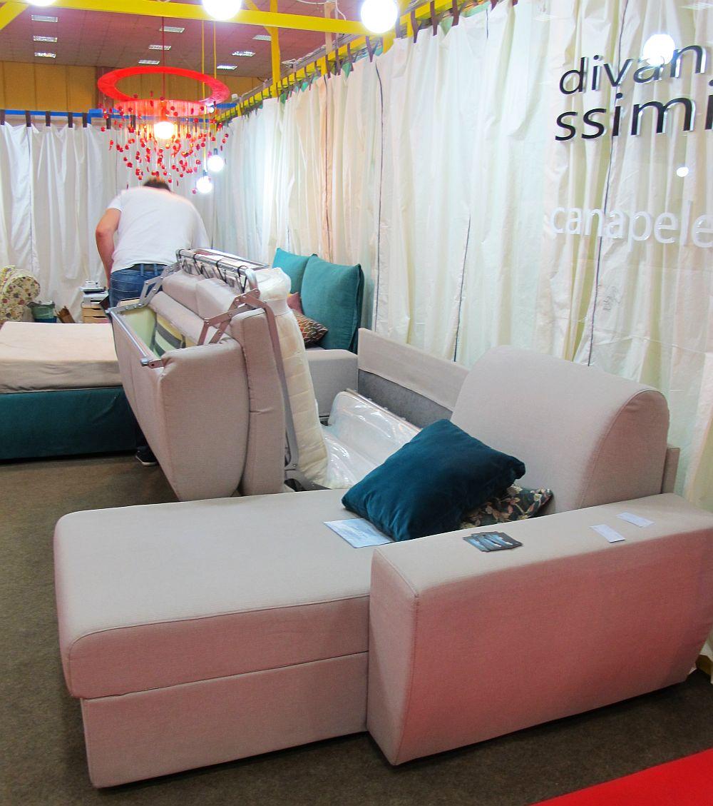 adelaparvu.com despre canapele la comanda cu huse datasabile Divanissimi, stand BIFE SIM 2014 (15)