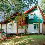 adelaparvu.com despre casa de vacanta cu ferestre turcoaz, casa din prefabricate, arh Sergio Rodiquez (2)