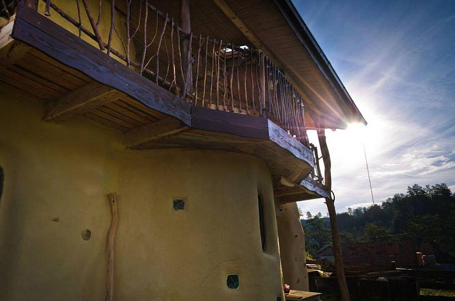 adelaparvu.com despre casa din baloti de paie Popasul Verde, Sangeorz Bai, Romania, proprietar Paul Axinte (16)
