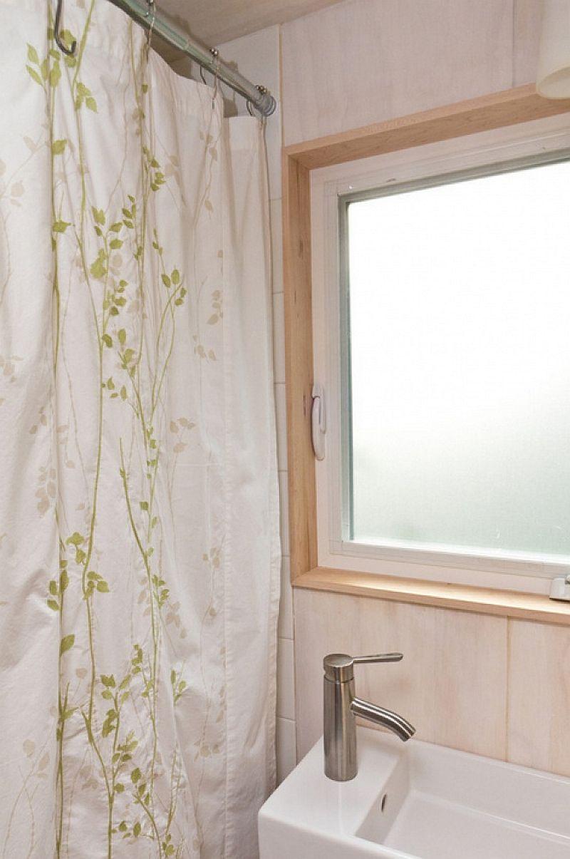 adelaparvu.com despre casa mica de 13 mp, casa pe roti, Sol House, design Vina Lustado (18)