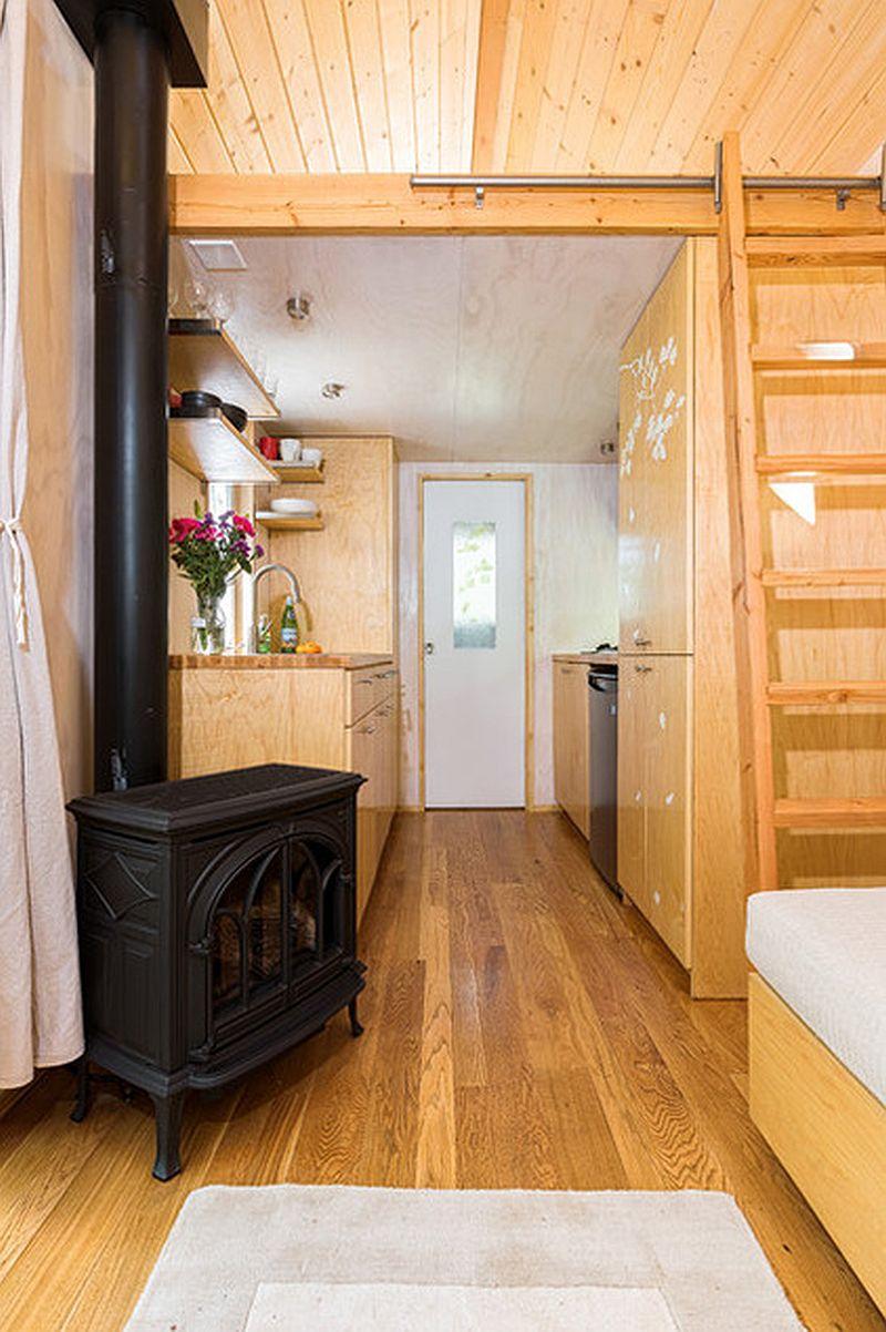 adelaparvu.com despre casa mica de 13 mp, casa pe roti, Sol House, design Vina Lustado (2)
