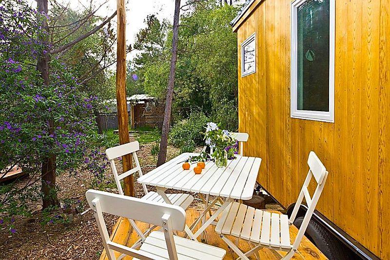 adelaparvu.com despre casa mica de 13 mp, casa pe roti, Sol House, design Vina Lustado (6)
