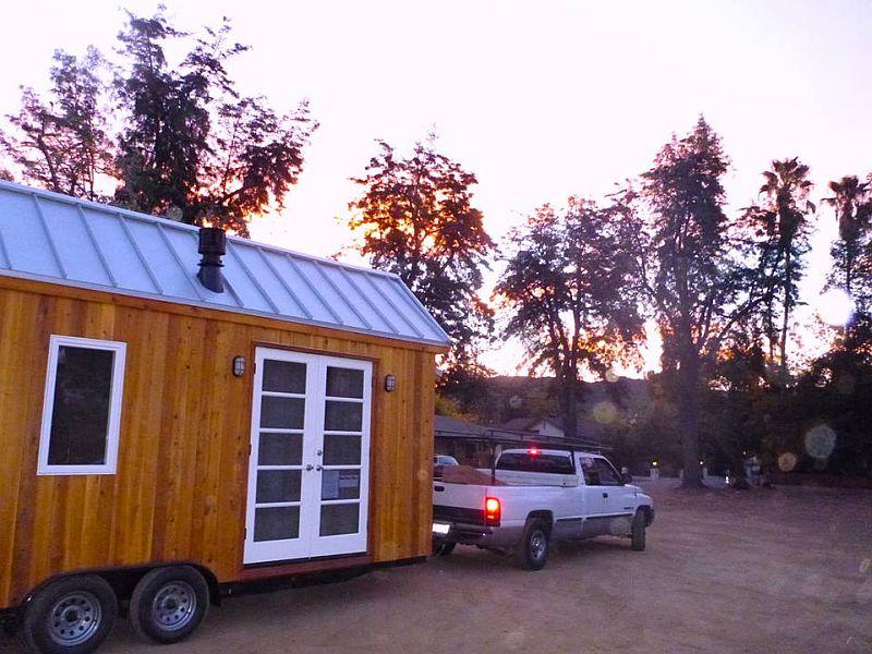 adelaparvu.com despre casa mica de 13 mp, casa pe roti, Sol House, design Vina Lustado (8)