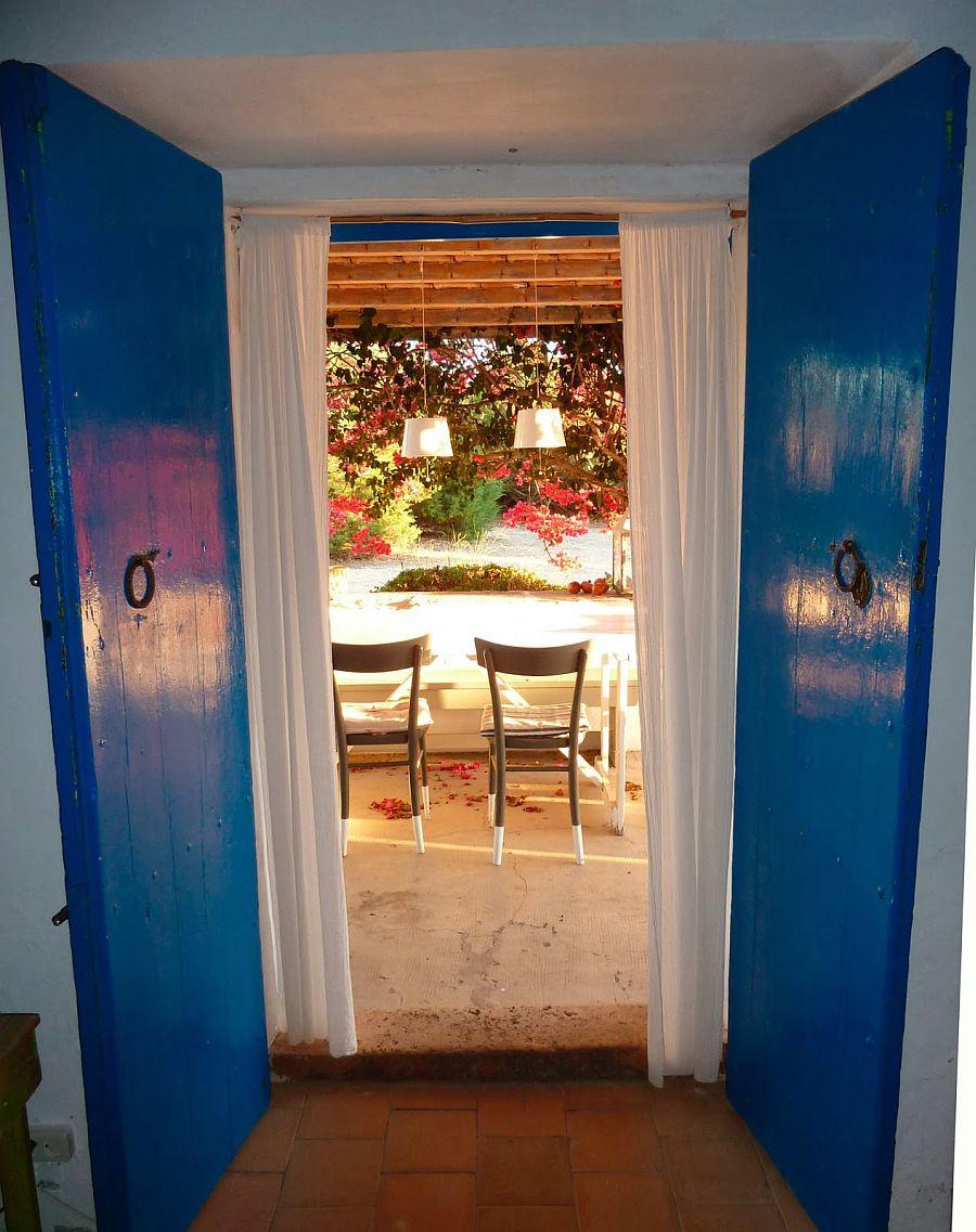 adelaparvu.com despre casa rustica cu tamplarie albastra, casa Spania, Formentera, design Paola Pier si Angelo Pier (14)