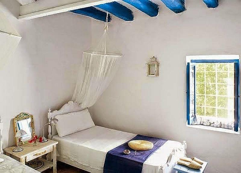 adelaparvu.com despre casa rustica cu tamplarie albastra, casa Spania, Formentera, design Paola Pier si Angelo Pier (9)