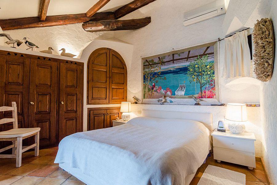 adelaparvu.com despre casa rustica cu terasa, casa rustica 90 mp in Porto Cervo Marina, Italia, arhitect Savin Couelle, Foto Portocervoonline (1)
