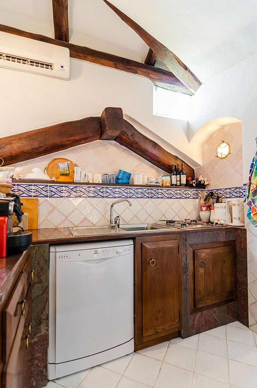 adelaparvu.com despre casa rustica cu terasa, casa rustica 90 mp in Porto Cervo Marina, Italia, arhitect Savin Couelle, Foto Portocervoonline (18)