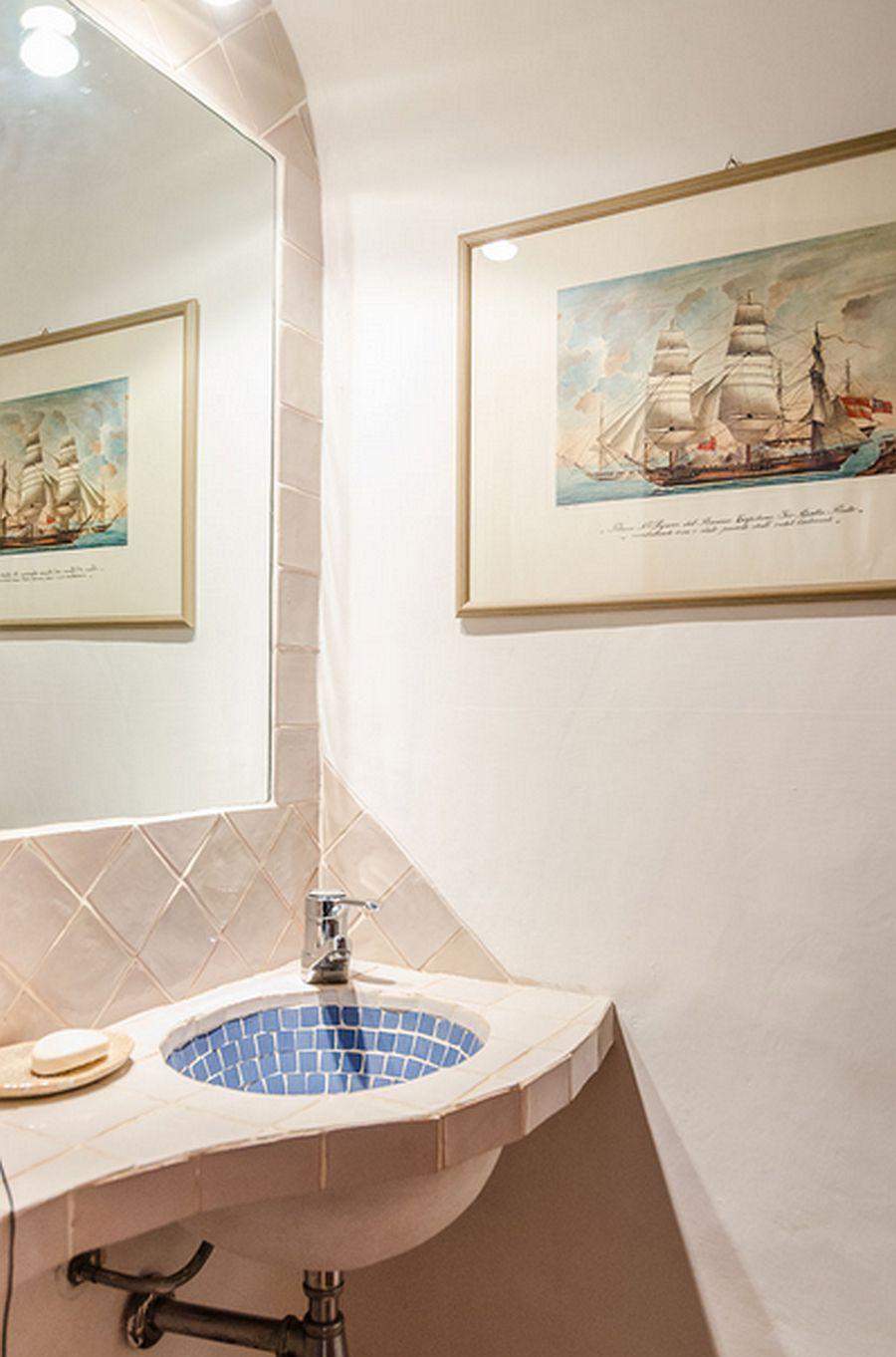 adelaparvu.com despre casa rustica cu terasa, casa rustica 90 mp in Porto Cervo Marina, Italia, arhitect Savin Couelle, Foto Portocervoonline (19)