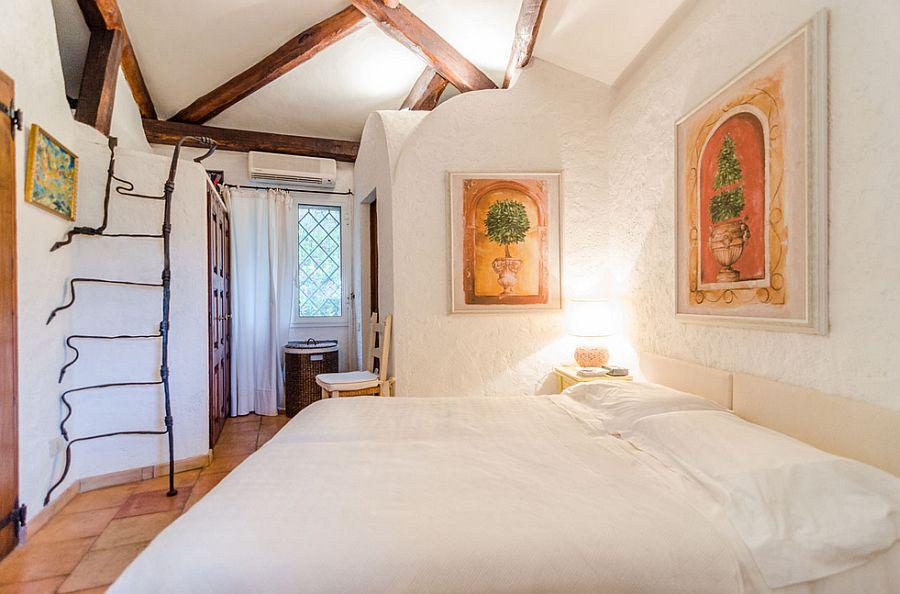 adelaparvu.com despre casa rustica cu terasa, casa rustica 90 mp in Porto Cervo Marina, Italia, arhitect Savin Couelle, Foto Portocervoonline (4)