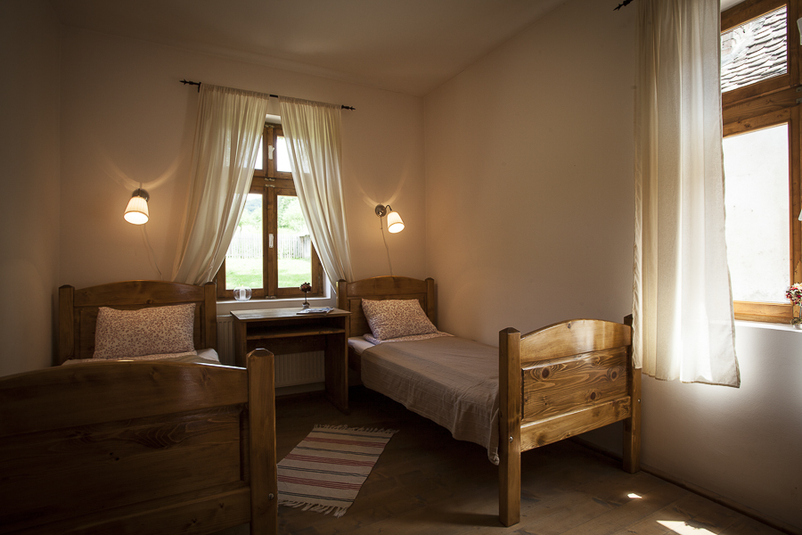adelaparvu.com despre case traditionale sasesti, vacanta la tara la Valea Verde, Cund Romania 8 (5)