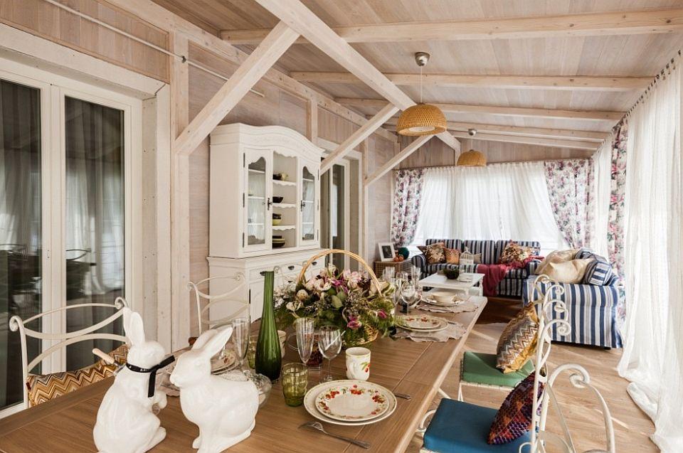 adelaparvu.com despre decor romantic la interiorul unui conac restaurat, vila Rusia, designer Lada Podolsky, DeCity (1)